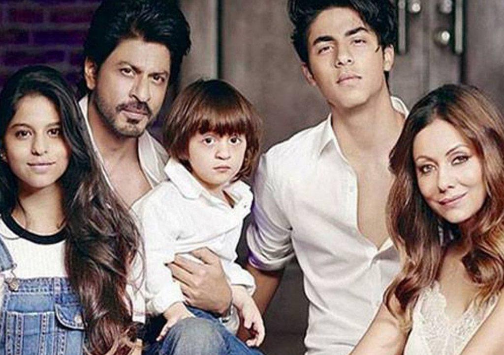 Walaupun Ada Halangan, 7 Pasangan Bollywood Ini Tetap ...